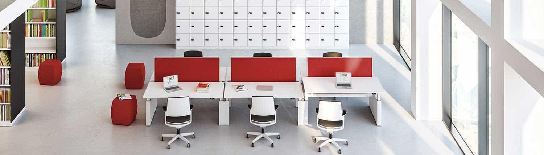 Akustik - Stellwände zwischen Schreibtischen im Großraumbüro